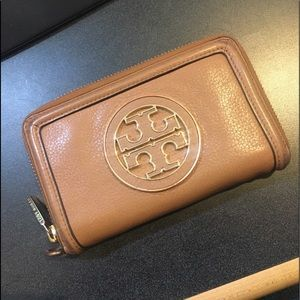 Authentic Tory Burch Medium Wallet